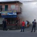 Bombeiros são acionados para controlar incêndio em depósito no Graciliano Ramos