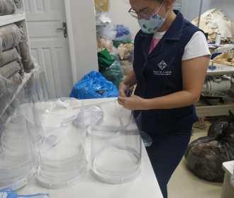 Parcerias garantem protetores faciais para colaboradores da Santa Casa de Maceió