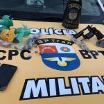 PM apreende 72 envelopes de maconha e 10 de cocaína em União dos Palmares