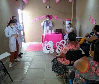 Moradoras do bairro da Levada participam de ação do Maceió Rosa