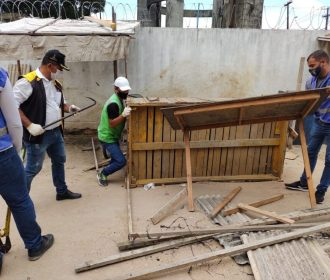 Prefeitura de Maceió remove barracas abandonadas no Eustáquio Gomes