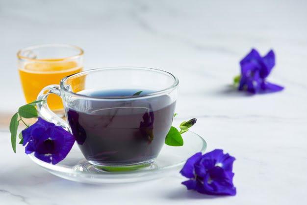 Cách pha trà hoa đậu biếc với mật ong