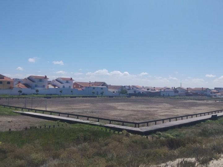 Campo al este de la playa de Costa Nova, Ílhavo, Portugal. Pues no respira fútbol este campazo que nos envía José Teixeira.