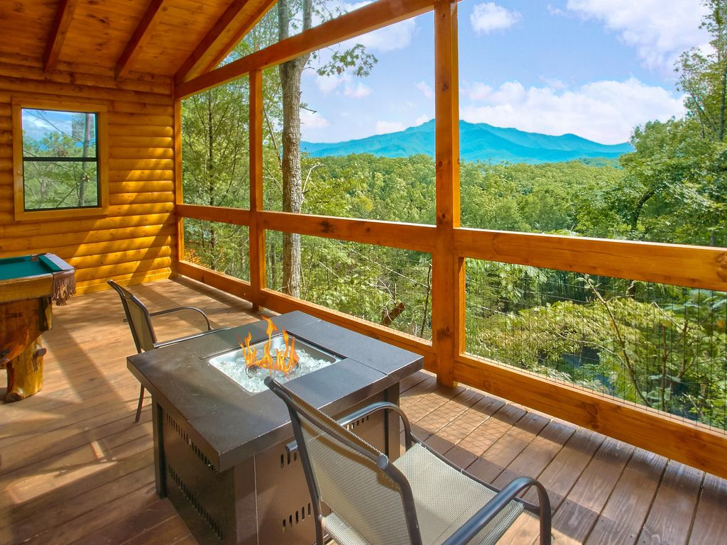 Romantic Cabin with Views, Outdoor Living Room, Fire Pit ... on Living Room Fire Pit id=60542
