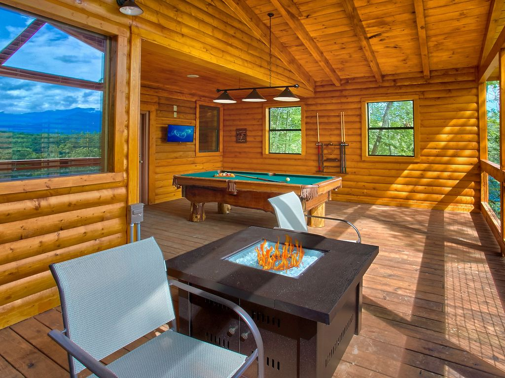 Romantic Cabin with Views, Outdoor Living Room, Fire Pit ... on Living Room Fire Pit id=77496