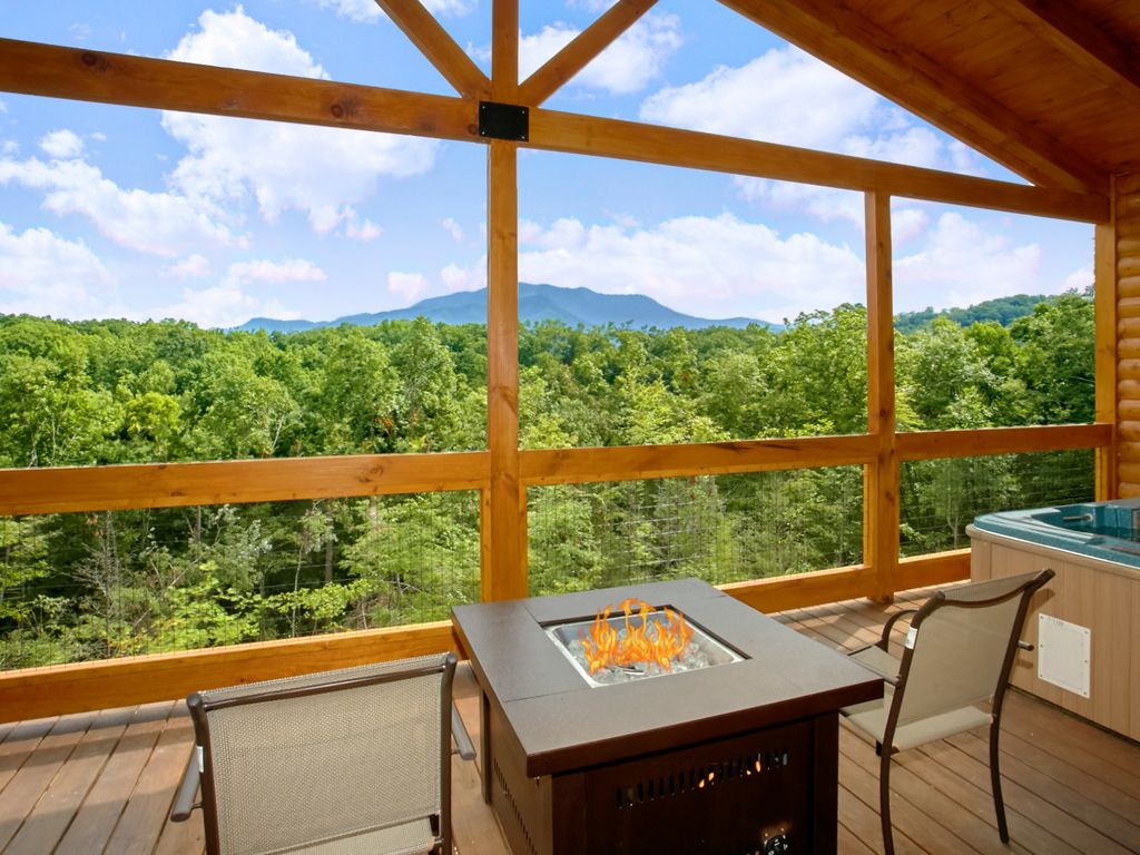 Romantic Cabin with Views, Outdoor Living Room, Fire Pit ... on Living Room Fire Pit id=31702