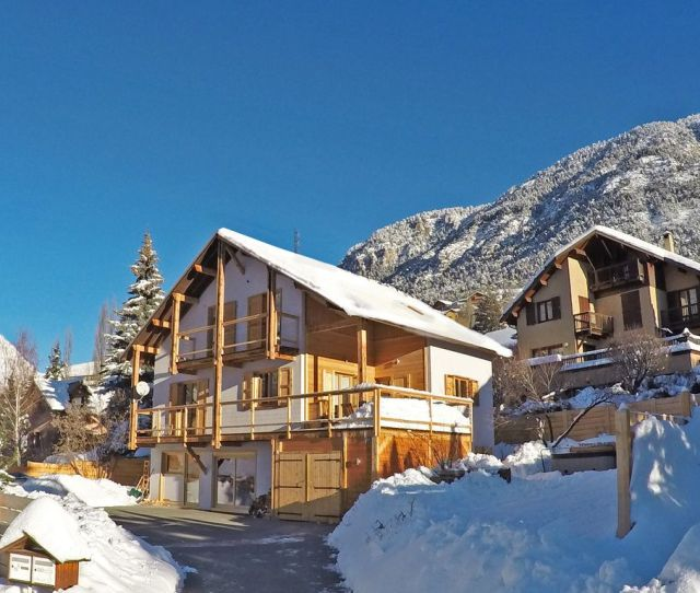 Stunning Chalet In Briancon Centre Walkable To Ski Lifts Serre Chevalier 1200
