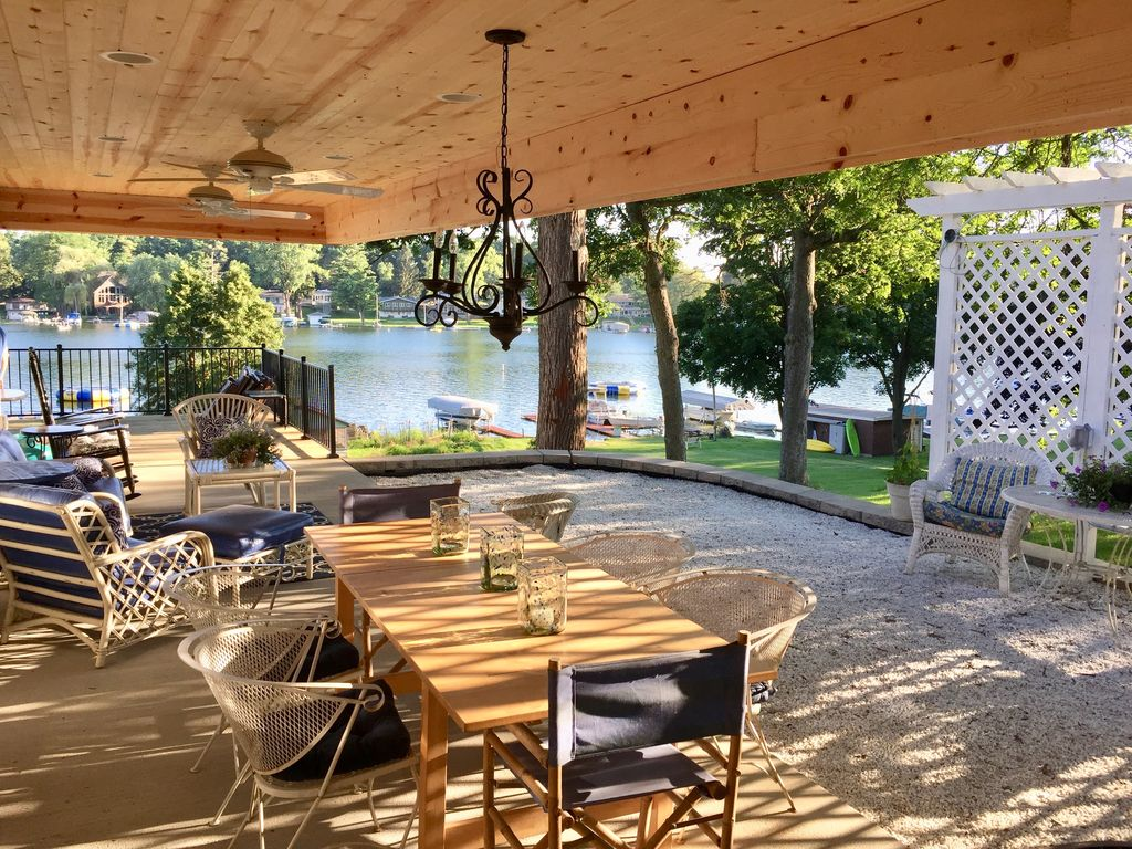 EXCLUSIVE LAKEFRONT with beach, beach house, piers ... on Lakefront Patio Ideas id=79886