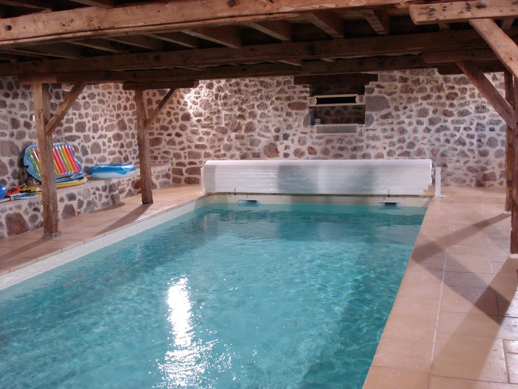Gte Piscine Prive Intrieure Chauffe 32 Degrs