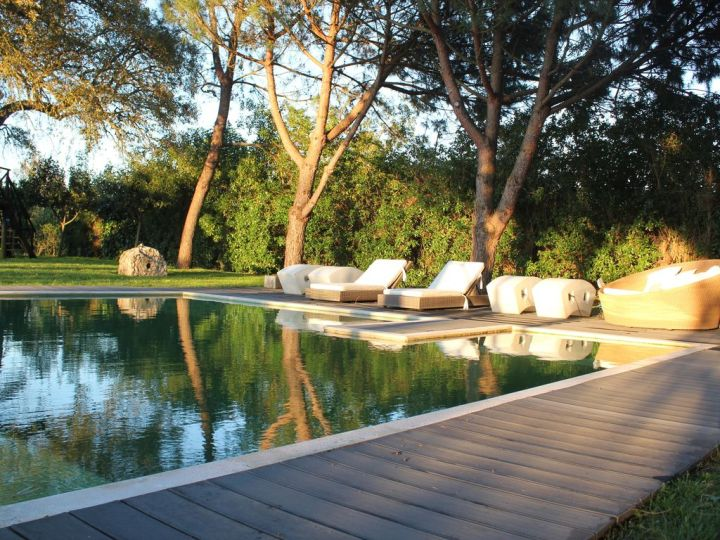 exclusive villa (not shared with anyone) with 1 bedroom, private pool and  garden - santo estevão
