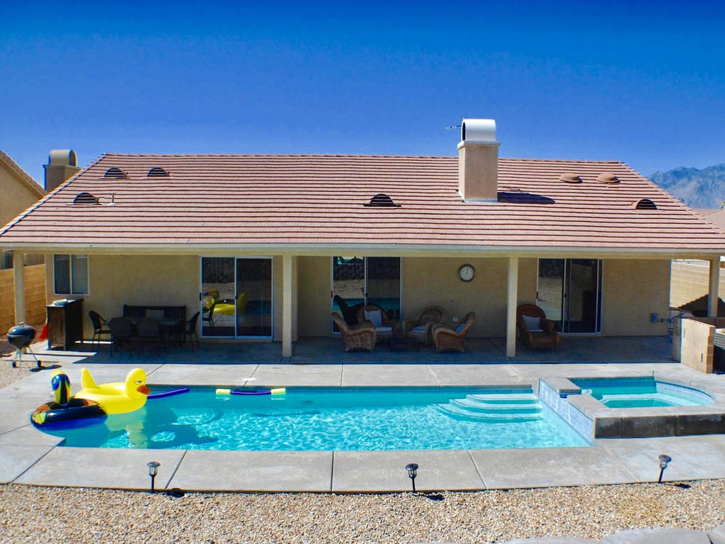 4BED/2BA SALTWATER POOL & SPA, MOUNTAIN VIEWS, PRIVATE ... on Outdoor Living Spa id=63002