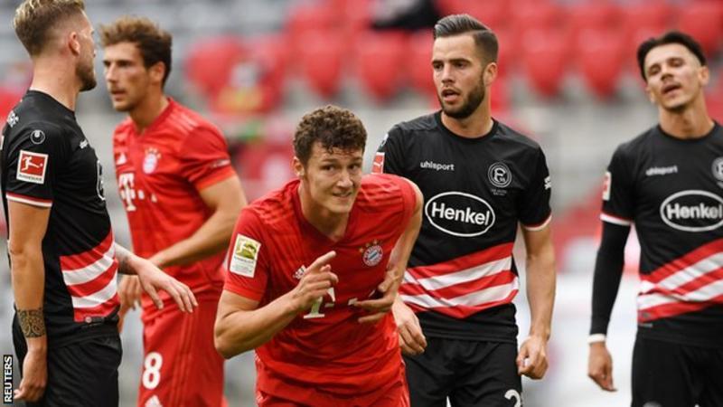 Robert Lewandowski scored twice against Fortuna Dusseldorf