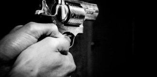 firing at youth,admitted to scb
