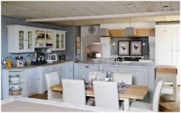 Кухня в стиле модерн, дерево