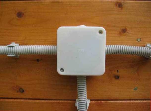 электропроводка открытого типа