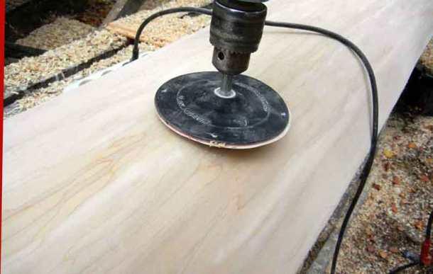 Полировка древесины дрелью с насадкой