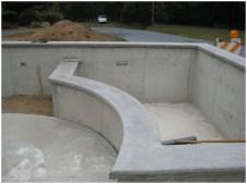 Готовый бетонный карниз, осталось отшпаклевать