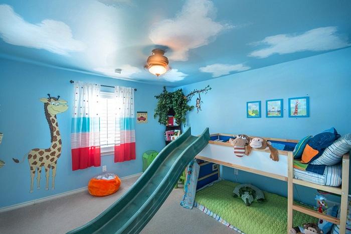 потолки окрашенные в синий цвет неба, в детской