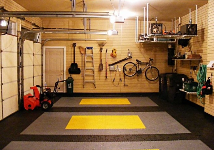 интерьер настоящего мужского гаража
