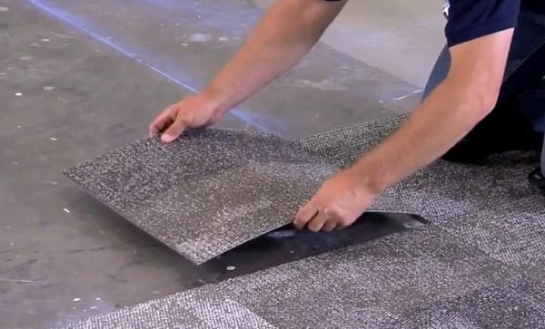 укладка ковровой плитки от центра