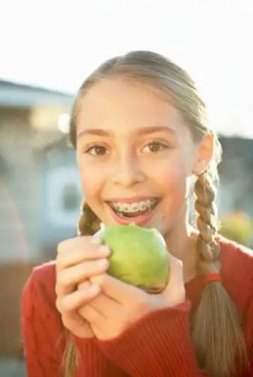tratamiento de ortodoncia, aparatos enderezar los dientes, odontologia adolescentes, odontopediatria