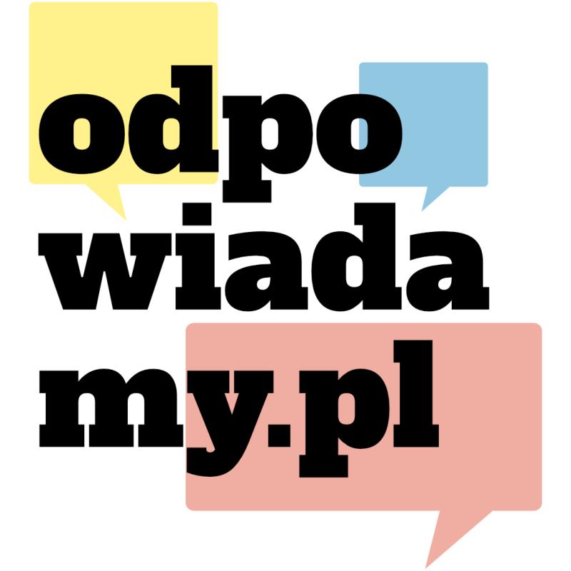 Logo serwisu odpowiadamy.pl na białym tle