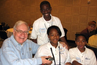 Warren-Buffet-with-Odyssey-Students