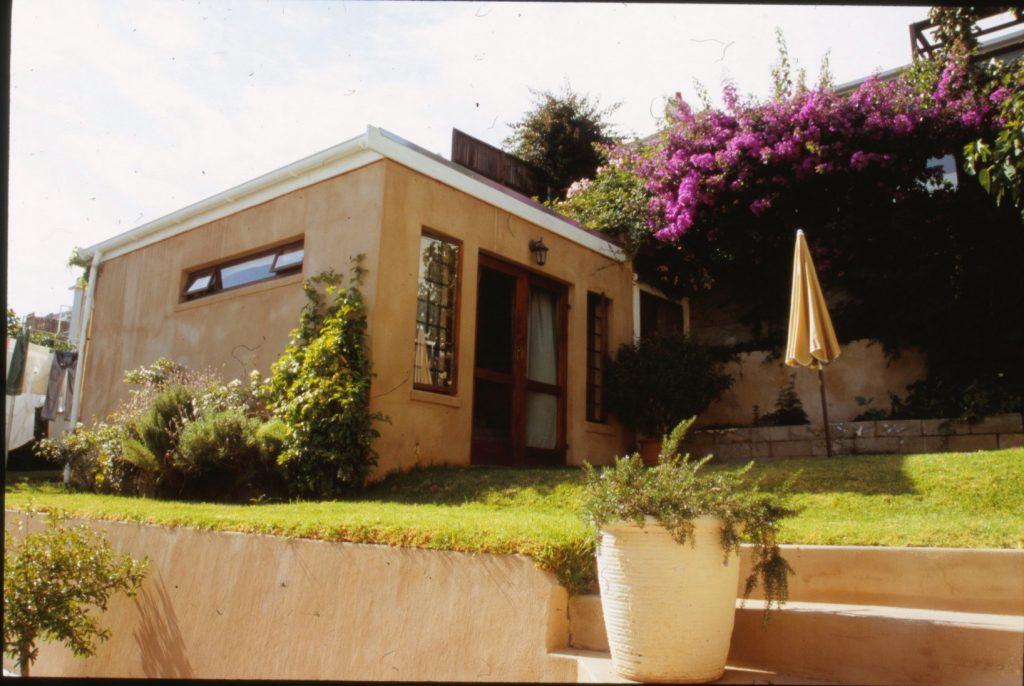 Launic House coach house