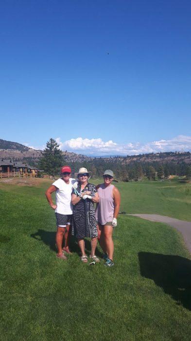 golfing girls