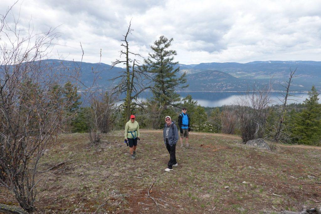 with Donna & Ron, above Okanagan Lake