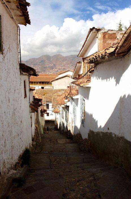 a narrow alley in Cusco