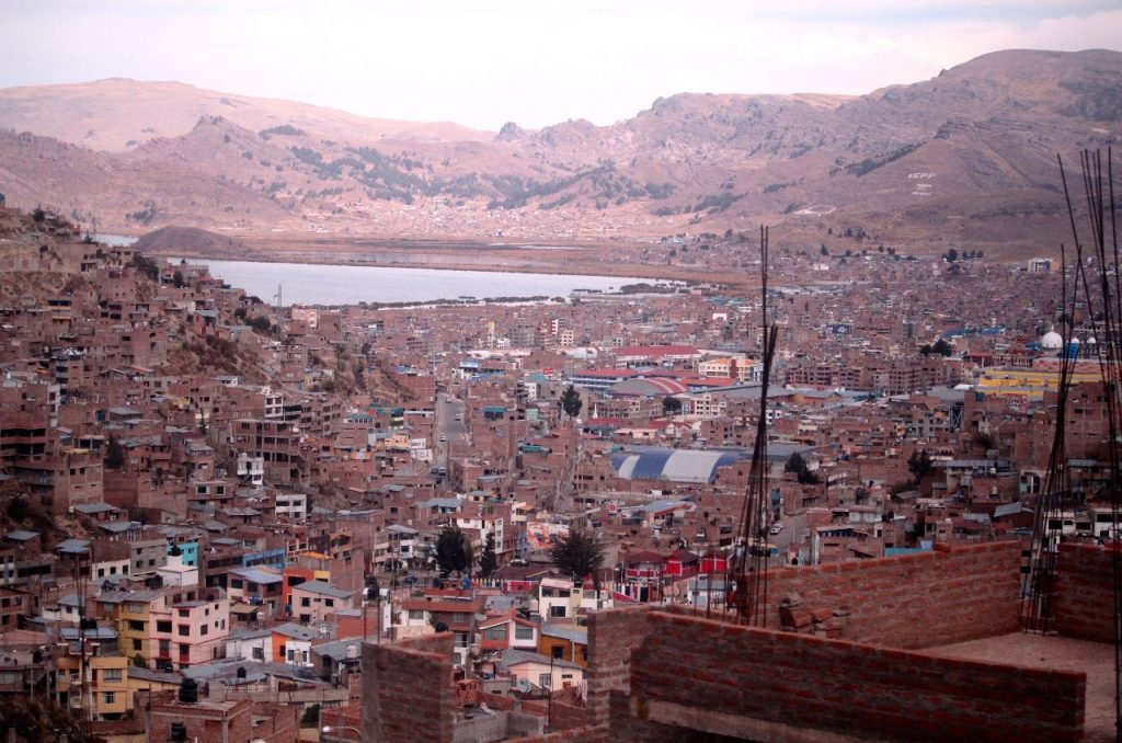 Puno and our first glimpse of the lake