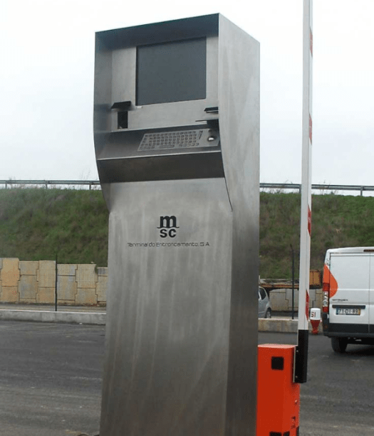 Control and Management of Accesses with Multimedia Kiosks