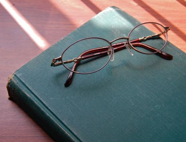 Glasses and Book by ladyheart at Morguefile.com