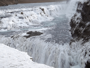 golden-waterfalls-gullfoss-iceland-winter-ice