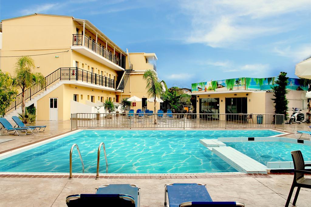 Primăvara și începutul verii! Aparthotel de 4 * foarte bine cotat din Zakynthos la doar 25 € / noapte!