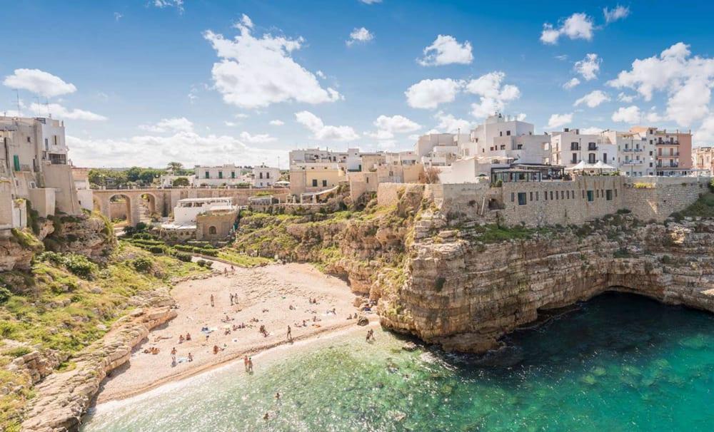 City break in Puglia (Bari, Italia), doar 103 euro (zbor si cazare 3 nopti)