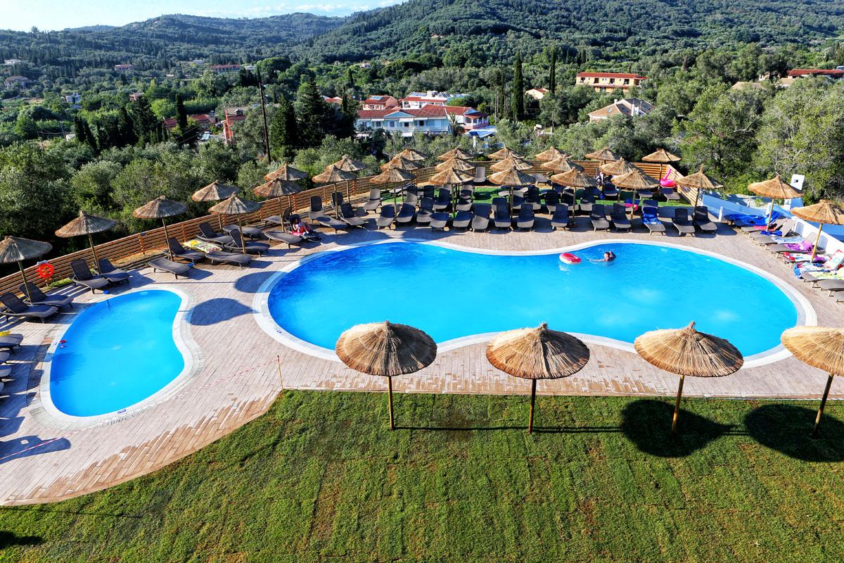 Sejur all-inclusive la un hotel de 4 * foarte bine cotat în Corfu la doar 81 € / noapte! (anulare gratuită)