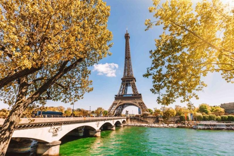 City break in Paris (Franta), 143 euro! (zbor + cazare 3 nopti)