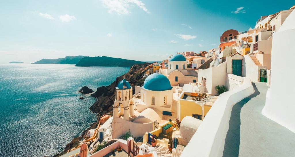O saptamana in Santorini, Grecia, doar 201 euro (zbor + cazare)