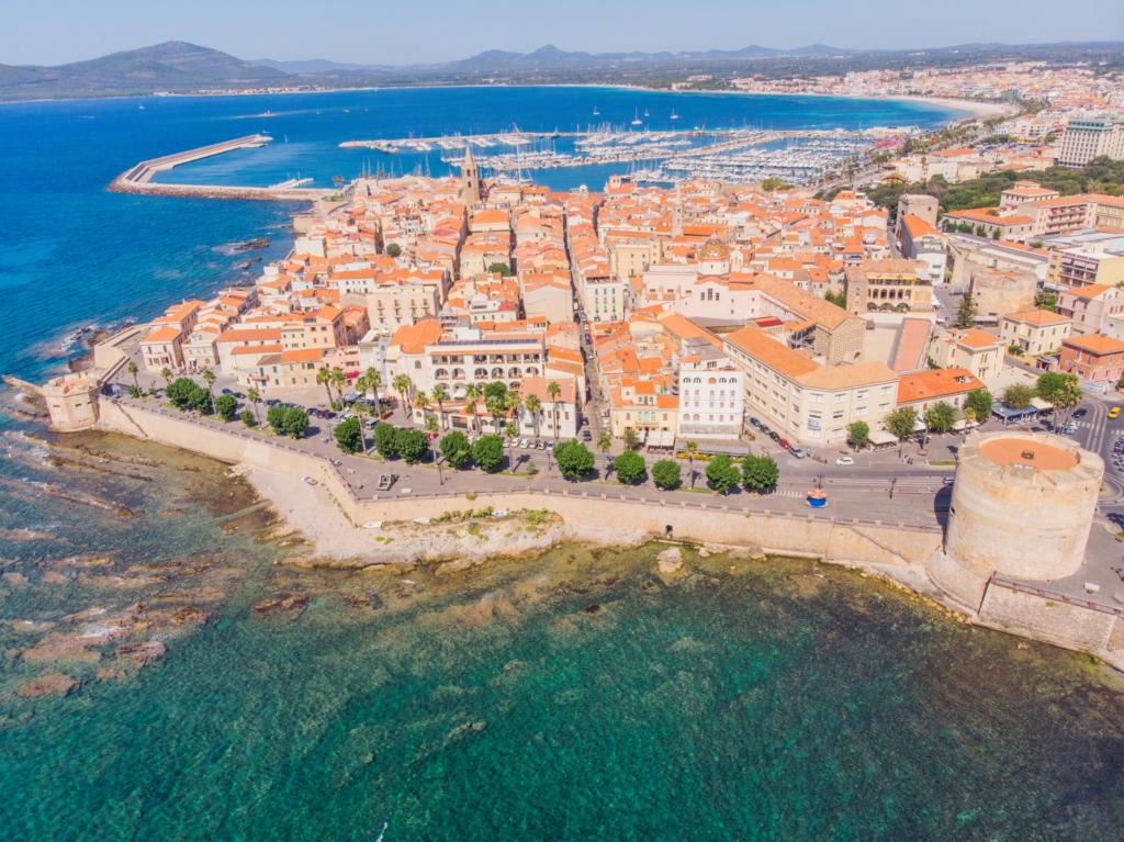 Weekend in Sardinia (Alghero, Italia), 104 euro (zbor si cazare 3 nopti)