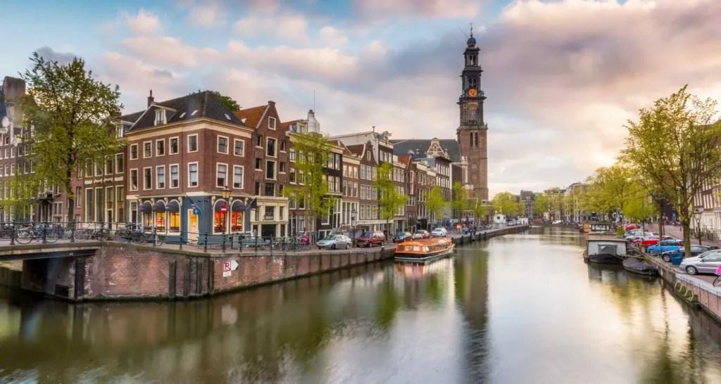 City break in Amsterdam, Olanda, 196 euro (zbor si cazare 4 nopti)