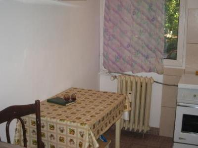 Garsoniera Favorit, Str. Sibiu, Drumul dr. Taberei, sector 60/4, singura de pe scara (restul sunt apartamente)