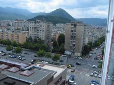 vand apartament 4 camere decomandat in zona ITC Brasov, unic proprietar, acte in regula la zi CF, etc.