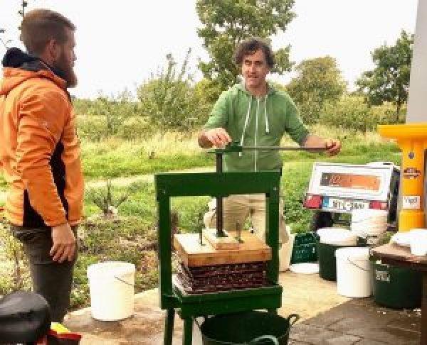 Féile na nÚll - Celebrating Apples and Community In Cloughjordan Ecovillage