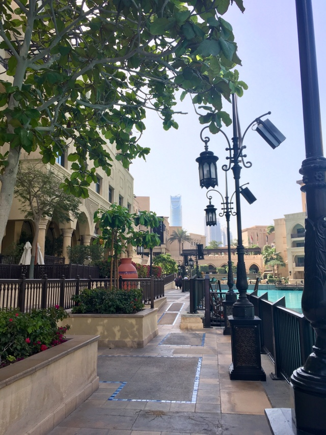 Souk Al Bahar Dubai - places to eat and shop in Dubai