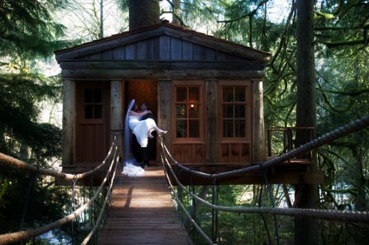 treehouse-point-wedding