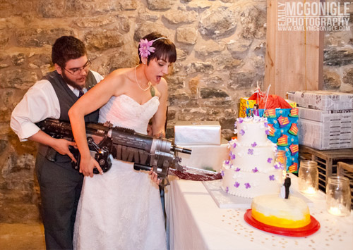 gears-of-war-cake-cutting