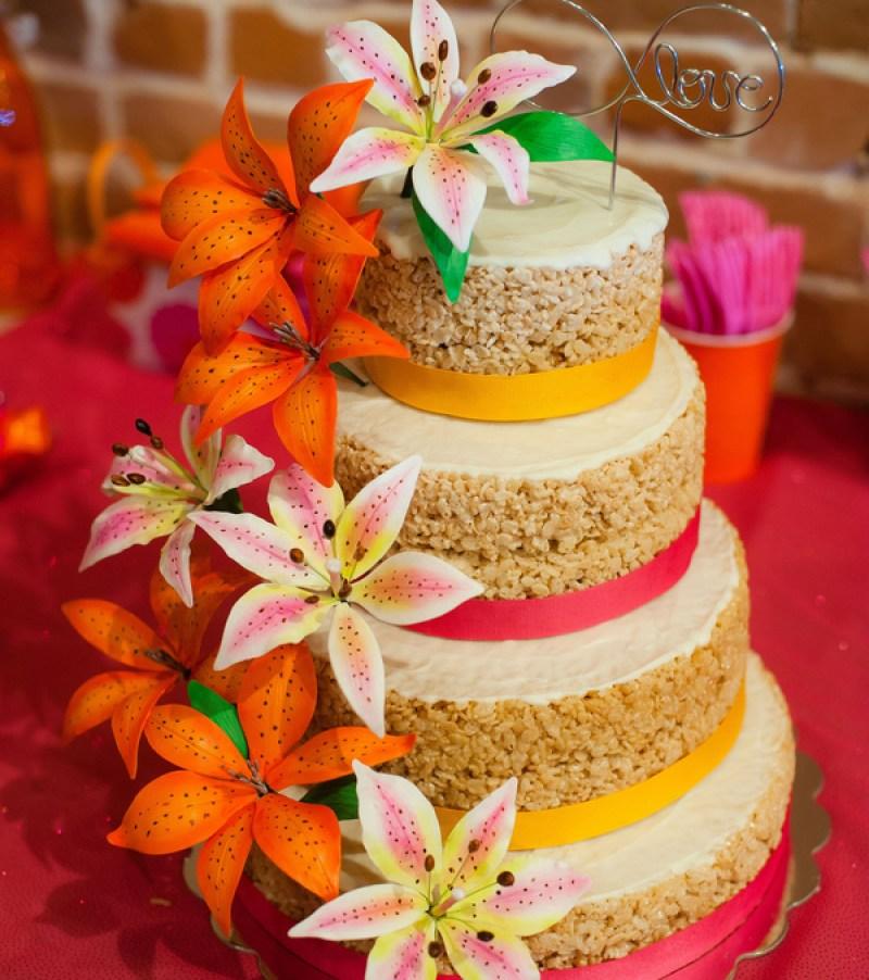 Rice Krispy cake on @offbeatbride