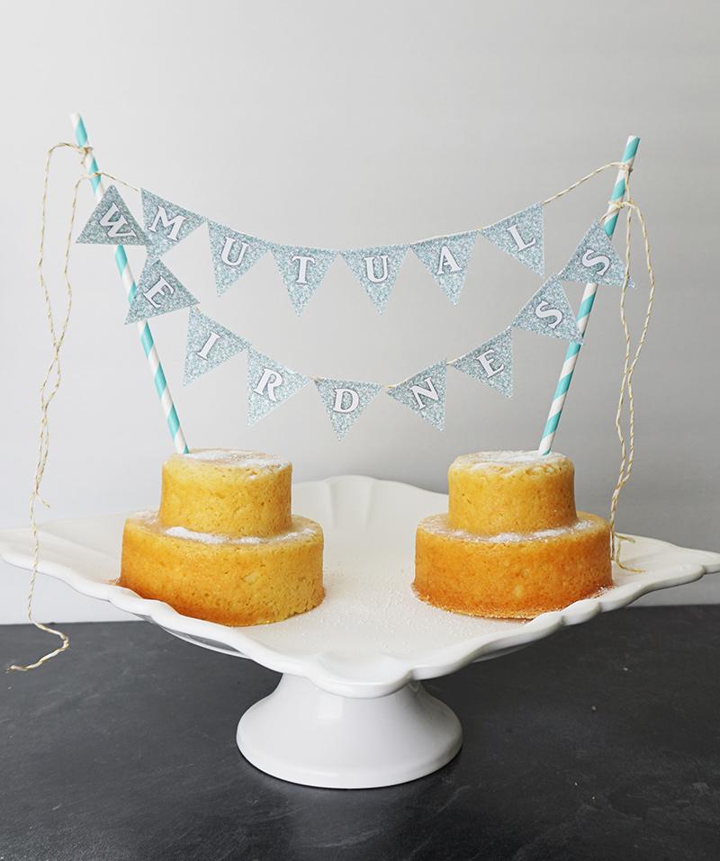 Cake topper banner from @offbeatbride